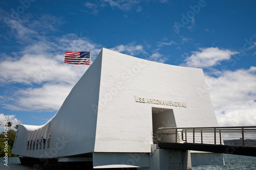 Fotobehang Historisch mon. U.S.S. Arizona Memorial in Pearl Harbor.