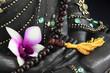 Mains de bouddha et collier de prière tibétain