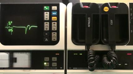 EKG machine with sound - HD