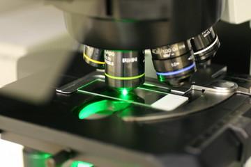 蛍光顕微鏡