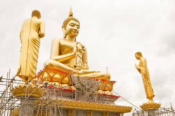 Big gold color  Buddha image under construction