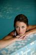 jeune femme dans l'eau