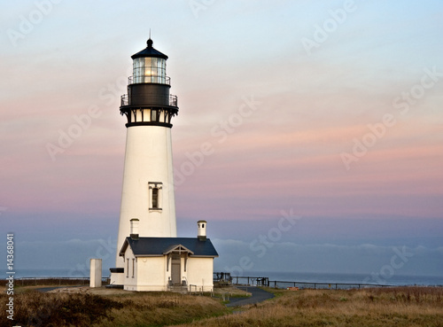 lighthouse dawn - 14368041