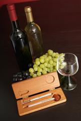 Weinflaschen mit Aräometer