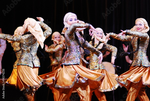 Azerbaijani folk dance - 14374238