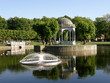 Leinwanddruck Bild - Swan's pond in Tallinn