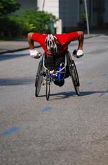Rollstuhlfahrer beim Marathon