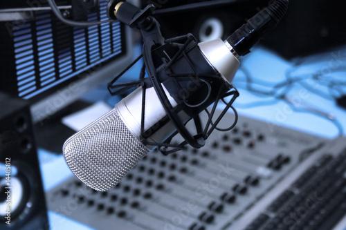 Leinwanddruck Bild In radio studio