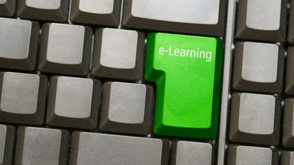 Tastatur oder Keyboard mit e-learning Taste