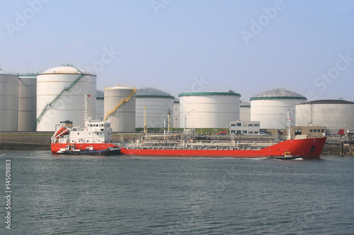 Oil Tanker and Silos - 14509883