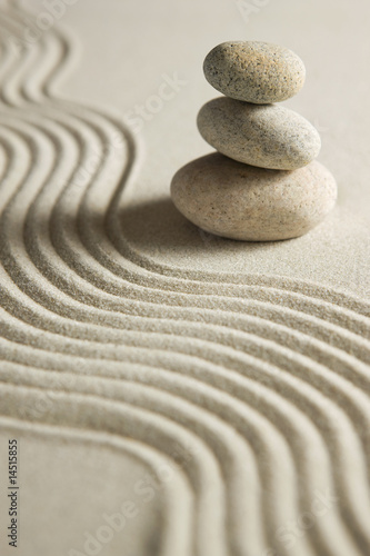 stos-kamieni-na-prowizorycznym-piasku