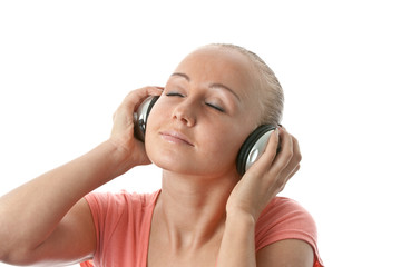 Women listenig to music.
