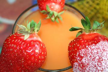 Erdbeeren auf Campari