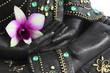 Mains de bouddha et fleur d'orchidée
