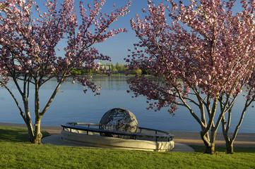 Canberra Globe