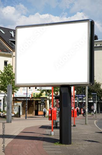 Leinwandbild Motiv leere Plakatfläche in der Fußgängerzone