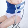 corps de femme assise