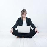 femme affaires et ordinateur portable poster