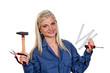 Frau mit Werkzeug als Mechanikerin