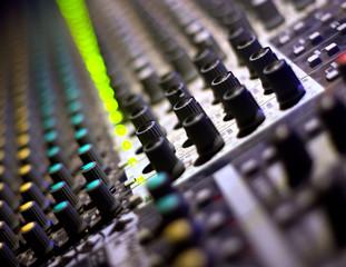 let's dj! sound mixer.