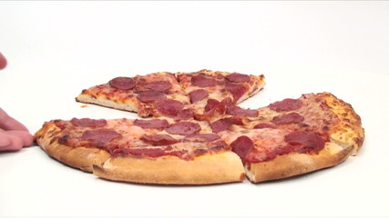 Pepperoni pizza grab - HD