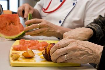 les grands-mère cuisinent