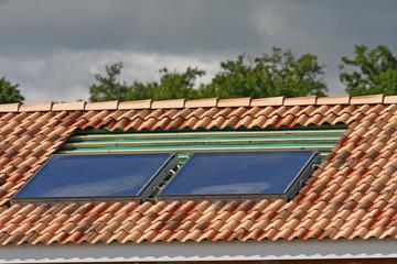 panneaux solaire en cours d'installation