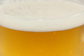 birra con schiuma particolare