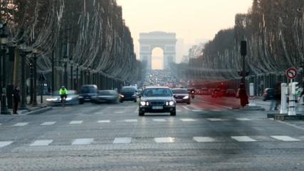 Champs Elysée, Paris. Timelapse.