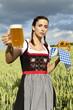 Dirndl Frau im Weizenfeld