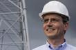 Lächelnder Ingenieur auf Baustelle