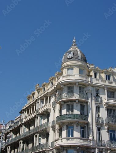 Immeuble ancien au soleil, Nice, France