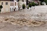 Hochwasser und Überflutung in Steyr, Österreich - 15050035