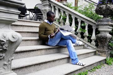 Sui gradini di casa