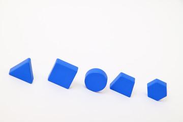 Formen blau