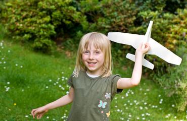 Mädchen mit Flugzeug