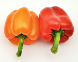 Red and orange capsicum — top tails