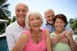 Groupe de seniors souriants