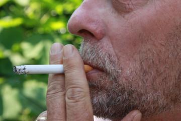 senior fumeur