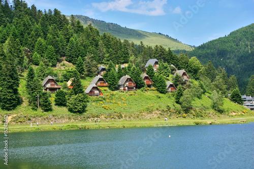 Le lac de Payolle dans les Pyrénées.