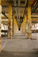 Alte verfallene Farbikhalle