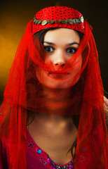 The girl covered by a veil
