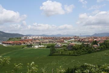 Paisaje, urbanizacion residencial de nueva construccion.