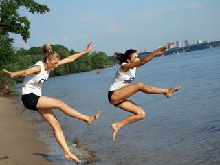 Girls jumpling