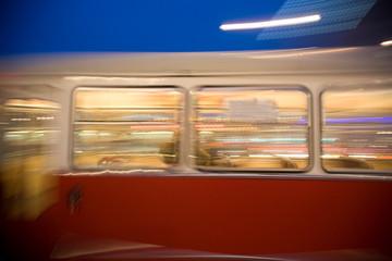 Passagiere in der Strassenbahn in Wien im ersten Bezirk