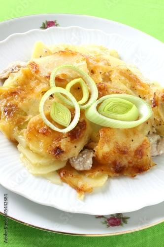 Auflauf mit Kartoffel, Hähnchen und  Lauch
