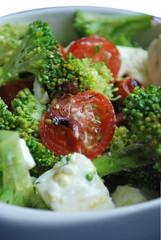 Bol de Salade composée (Brocoli - Tomates - Fêta)