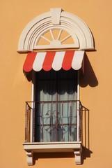 Balcone con tenda parasole