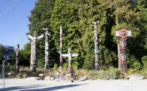 Leinwanddruck Bild Totem Poles in Stanley Park