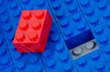 Roter und blaue Bauklötze